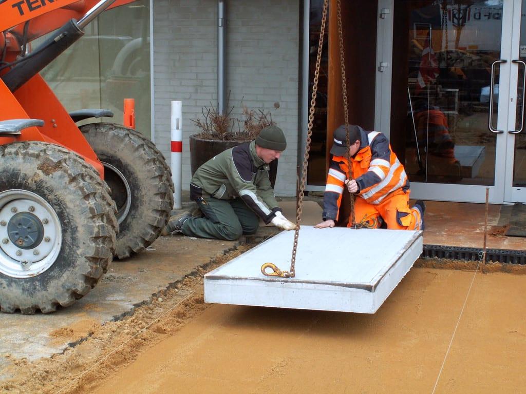 Lægning af store beton fliser