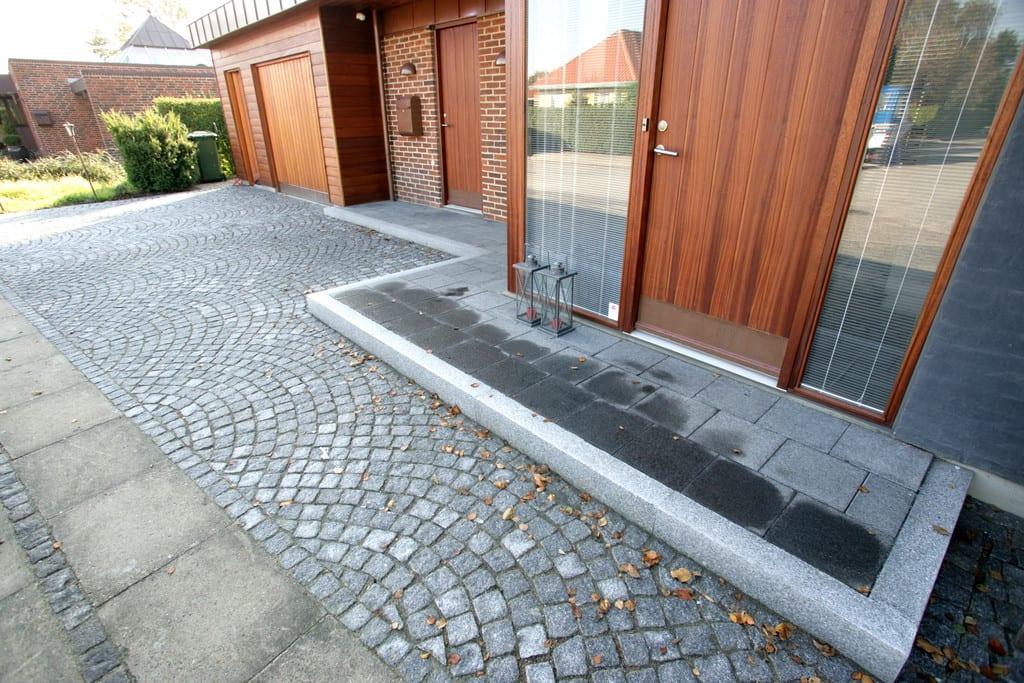 Granit fliser, kantsten og chaussésten