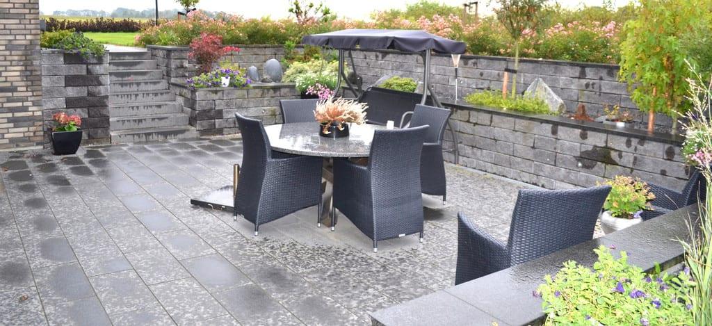Granit fliser og mur i beton elementer