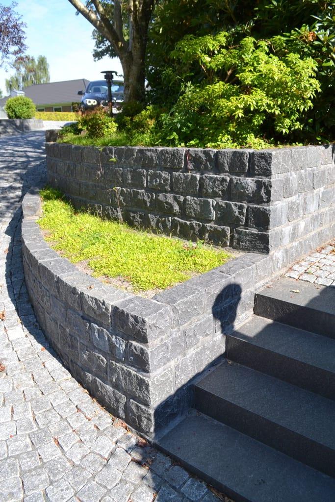 Granit støttemur, trappe