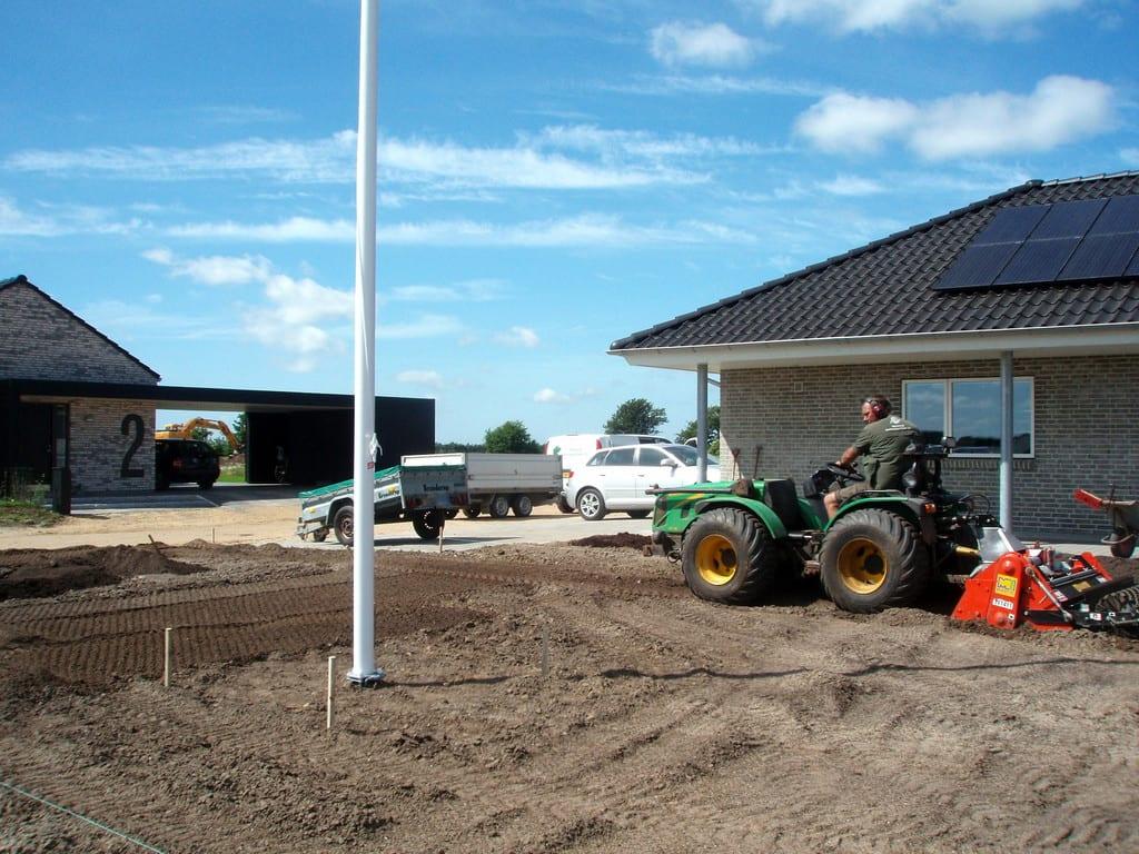 Klargøring til en ny græsplæne