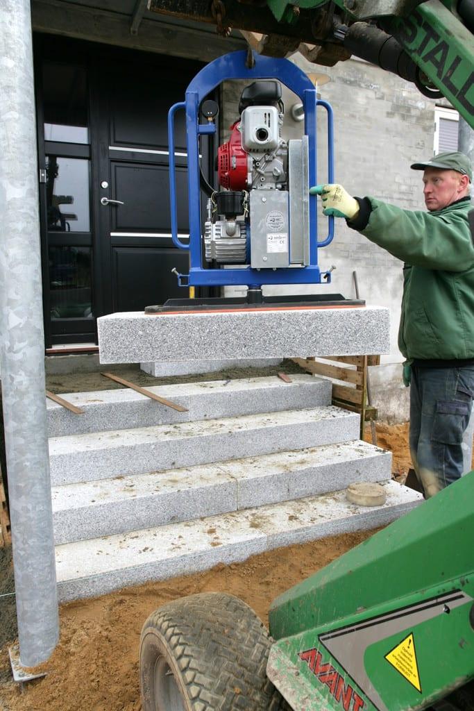 Montering af granit trappetrin