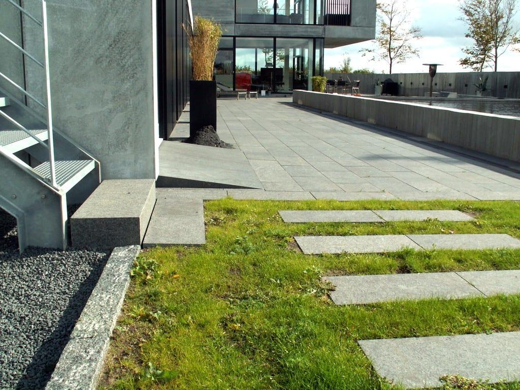 Granit trin, sort bassalt