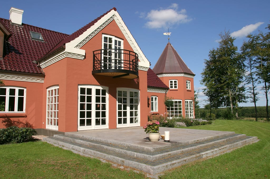 Terrasse med granit trin