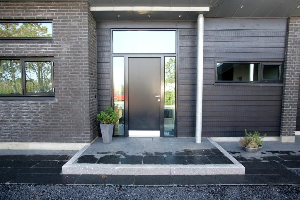 Granit trin, granit kantsten og granit fliser