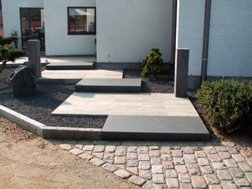 Special fremstillede granit trin i sort bassalt