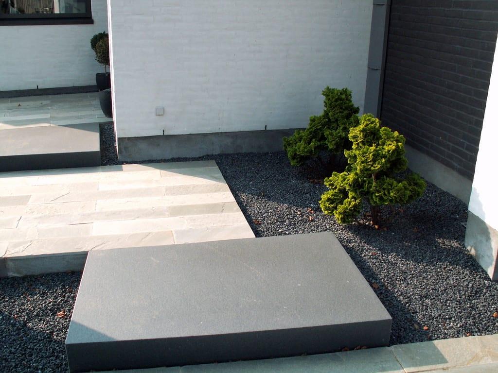 Special fremstillede granittrin i sort bassalt