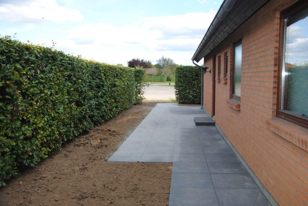 Granit trin foran hoveddøren
